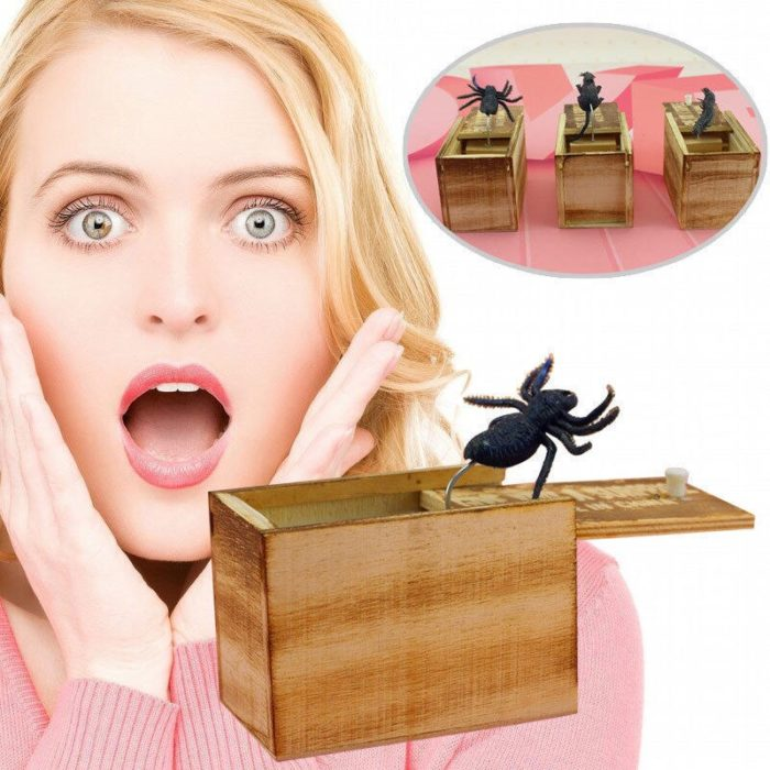 April Fool's Day gift Wooden Prank Trick Practical Joke Home Office Scare Toy Box Gag Spider Mouse Kids Funny Gift 6