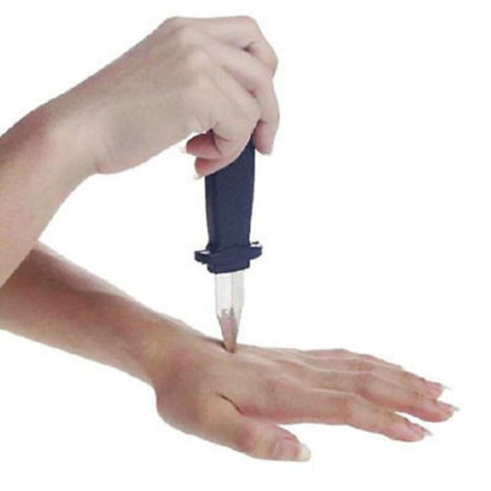 1pc funny Trick Dagger Knife Retractable SLIDE IN Blade Fun Joke Prank Halloween Prop Fake Gag Toys 18cm 3